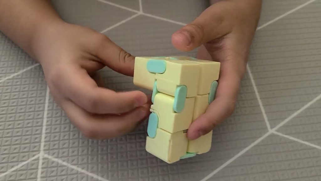 Infinity Cube Fidget Toy - Does Size Matter?