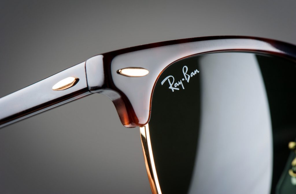 RB 3016Replace your shed or removed Ray Ban Wayfarer Screws